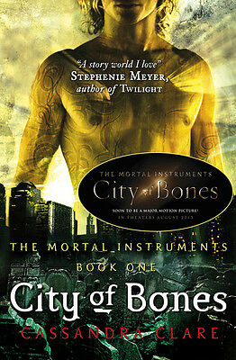 The mortal instruments: City of bones by Cassandra Clare (Paperback)