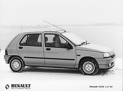 Renault Clio 1.4 RT Press Photographs x 3  - RHD UK Issue