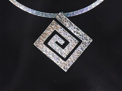 VTG Mexico Hammered Sterling Silver 925 Pendant Choker Collar Pendant Necklace