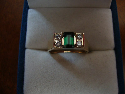 14K Yellow Gold Green Tourmaline Vs2 Diamonds Ring  3.8 Grams Size  5.5