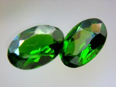 2 CHROM DIOPSIDE  -  OVAL FACET  -  6x4 mm  -  0,93 ct.