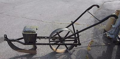 Parlin & Orendorff P&o Co Canton Illinois Cast Seeder International Harverster