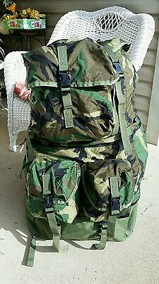 US Military Equipment Bag / Backpack Style Camo 8465-01-393-5183