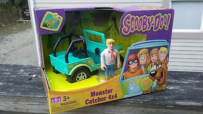 NEW Cartoon Network Scooby-Doo Monster Cather 4X4 Jeep & Fred Figure ~ Toys