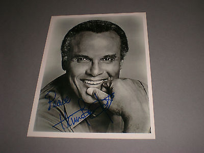 Harry Belafonte signed signiert autograph Autogramm auf Foto in person