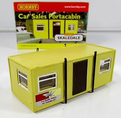 OO Gauge Hornby Skaledale R8765 Car Sales Office