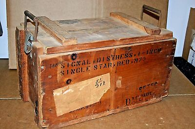 WWII Signal Distress Flare Wood Crate 1945 Single Star Red M73 - Box Wooden