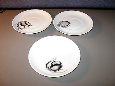Susie Cooper Black Fruit Saucer Lot of 3   5 1/2 Inch Pottery Bone China England