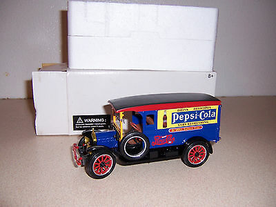 1920 White Delivery Van 1/32 Scale Diecast Model Truck - Pepsi Cola