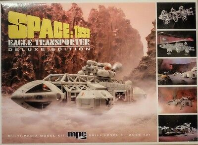Mondbasis Alpha Space:1999 EAGLE 1 Transporter Deluxe Edition 1:72 Model MPC816