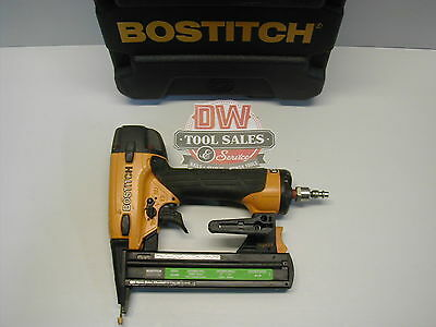 Bostitch SX1838 Staple Gun 18 Gauge Crown Stapler Air Tool (USED) Includes Case