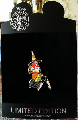 DISNEY JESSICA RABBIT and CANDY CORN WITCH LE 250 Halloween Pin NEW ON CARD