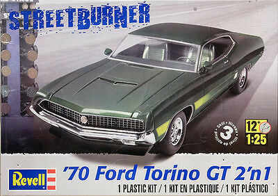 1970 Ford Torino GT 2 in 1 1:25 Model Kit Bausatz Revell 4099