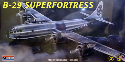 Boeing B-29 Superfortress Bomber Flugzeug Aircraft 1:48 Model Kit Revell 5718
