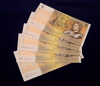 1982 $1 Australian banknotes, last issue. Consecutive run of five, Uncirculated