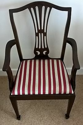Vintage Carver Or Desk Chair