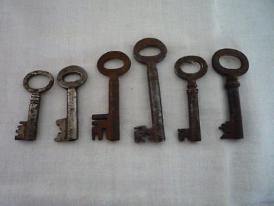 Collection of 6 old antique vintage iron small keys original Decorative