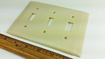 Vintage 1 UNILINE Ivory BAKELITE Ribbed w/ Lines Light 3 Switch Plate Cover Bone