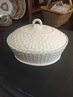 Belleek Ireland Everyday White Basket weave Covered Casserole Serving Dish Oval