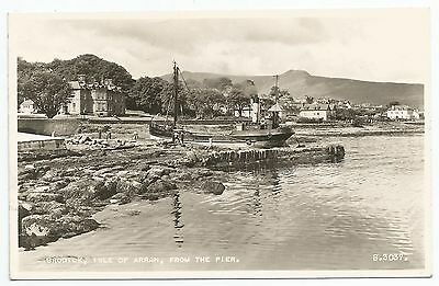 POSTCARD-SCOTLAND-ARRAN-RP. Brodick from The Pier.