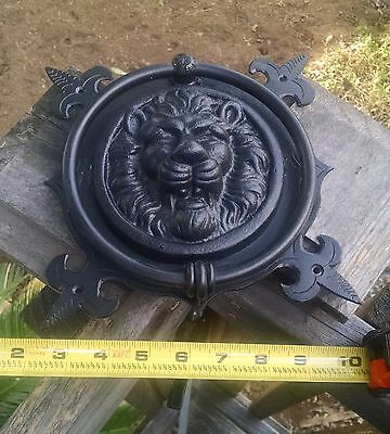 "MAJESTIC LION HEAD CAST IRON DOOR KNOCKER  Black 10.5"" length 7.25"" diameter NEW"
