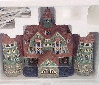 Department 56, Seasons Bay First Edition Grandview Shores Hotel