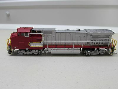 * Atlas ~ Bnsf -  Dash 8-40Bw Powered Locomotive W/ Dcc Plug ~ N Scale