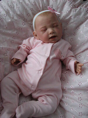 Stunning Gift - NEW 2016 ELSA LifeLike Newborn Reborn Baby Doll-Weighted & Dummy