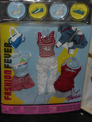 2004 Barbie Fashion Fever Trendy Shoes & Fashion Accessory Set #g9013