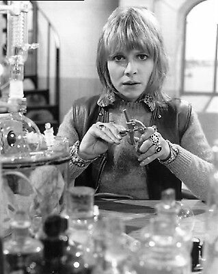 "Katy Manning Dr Who 10"" x 8"" Photograph no 7"