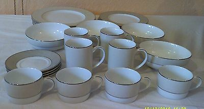 British Home Stores, Lustre Pattern 4 x  person Dinner/Tea Set 24 Pieces.
