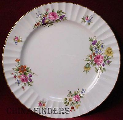 ROYAL WORCESTER china ROANOKE White Z2827 pattern Dinner Plate  10-1/2""