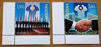 Summit Of Union Independence States Moldova 2002 Set Of Two Stamps MNH Flags