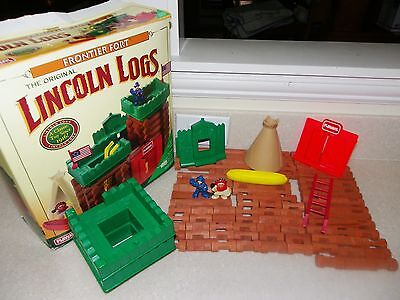 LINCOLN LOGS 1996 FRONTIER FORT ~ 83 PIECES ~ 2 flags missing OTHERWISE COMPLETE