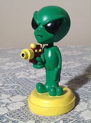 Space Alien Bobblehead Figure Take Me To Your leader