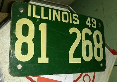 ILLINOIS - 1943 first year shortie soybean license plate. Very nice all original