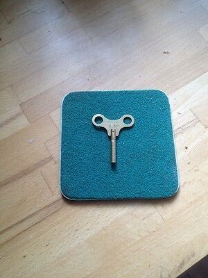 Brass clock winding key size 2.50 No 1 • EUR 3,82