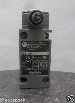 Nice Allen Bradley Plug-in Oiltight Limit Switch 802T-AP Ser.J