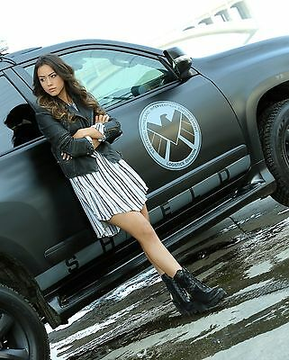 Chloe Bennet Unsigned 8x10 Photo (27)