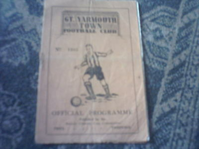 "Great Yarmouth Town v Walsall ""Beevor"" Charity Cup Football Programme 14/9/1950."