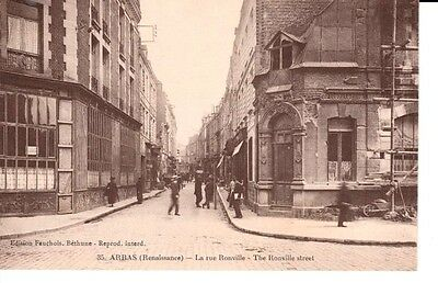 Early ARRAS (Renaissance) - La rue Ronville - buildings, people