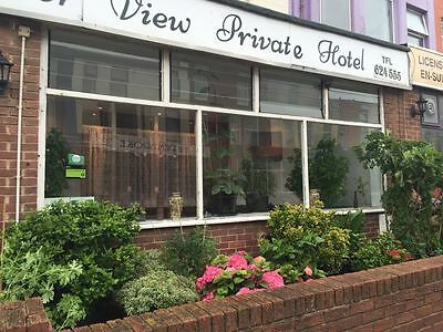 Blackpool b&b hotel ensuite FAMILY ROOM 3 nights (any Mon to Thurs) summer 2017