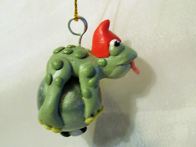 FROG & FLY ORNAMENT polymer clay artdoll decoration green pearl tongue out