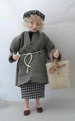 Dolls House Miniature Bag Lady 1-12TH Scale