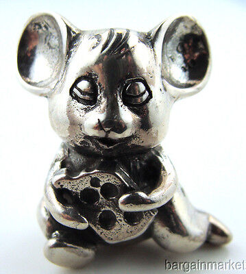 Miniature Sterling Silver Mouse with Cheese Figurine s35