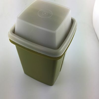 Tupperware Pickle Keeper Container 1332-7 green