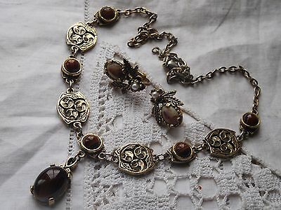 Wonderful Vintage 1960s AGATE Necklace & Clip On Earrings signed MIRACLE