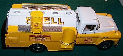 First Gear SHELL OIL 1958 GMC300 TANKER TRUCK 1 / 34 SCALE NEW IN BOX