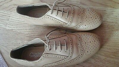 New Look tan laced shoes size 4 brand new