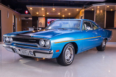 1970 Plymouth Road Runner  Fully Restored 1970! 383ci V8, 4-Speed Manual, PS, PB, A/C, Highly Optioned!